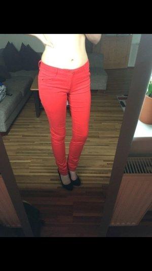 Rote edc SKIN slim Röhrenhose