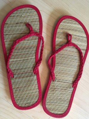 rote Flip Flops für den Sommer/ ungetragen
