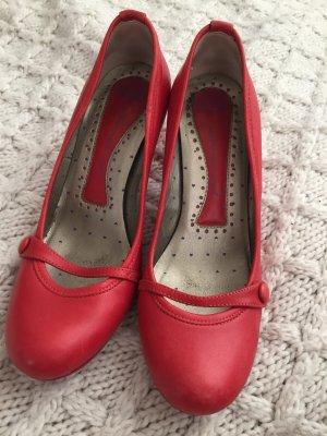 Rote Fornarina Pumps in Lipstick Red