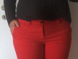 Rote GAP Khaki, Größe 38