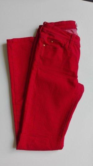 Rote, gerade geschnittene Hose von Mango!