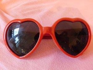 Rote große Herz Sonnenbrille