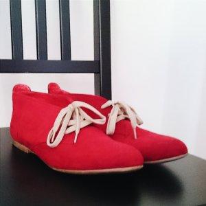 Rote Halbschuhe von Graceland