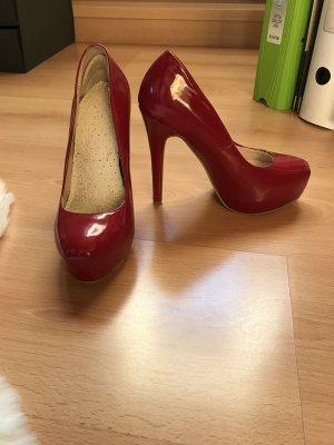 Rote High-Heels von Even&Odd