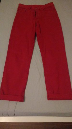 Rote High-Waist Jeans