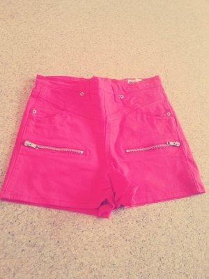 rote high waist shorts