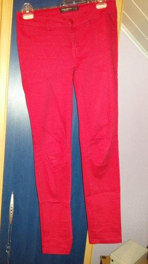 Rote Hose Größe 36 !