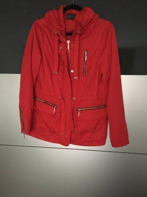 Rote Jacke von Esprit