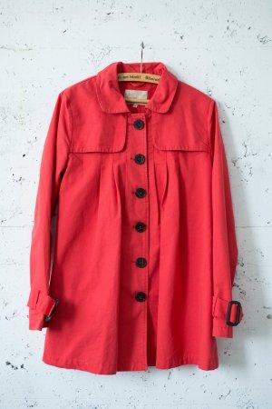 Rote Jacke von Review