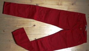 Rote Jeanshose von Zara