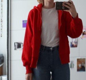 rote Kapuzenjacke