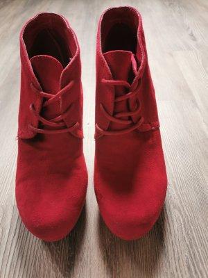 Rote Keilabsatz Schuhe