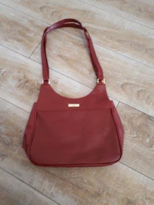 Rote Kunstlederhandtasche