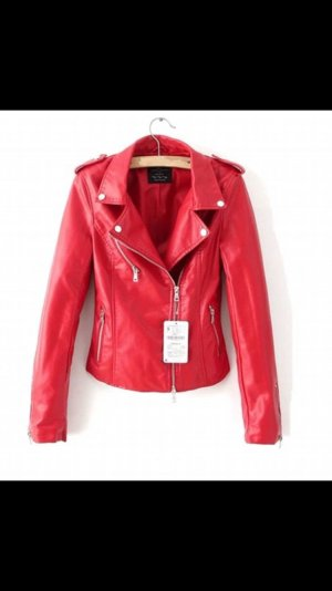 Rote Kunstlederjacke Zara TRF