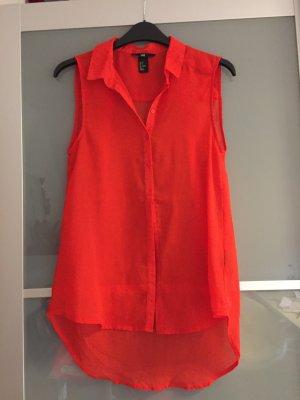 rote kurzärmliche Bluse