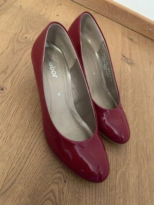 Rote Lack Schuhe
