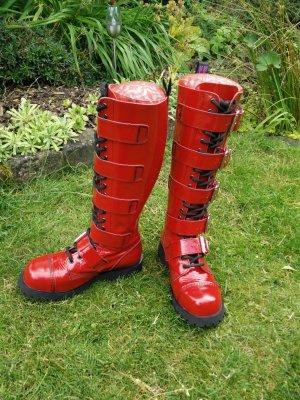 Rote Lack-Stiefel von Alpha Rangers