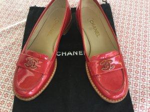 Rote Lackleder Mokassins von Chanel