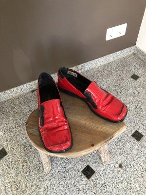 Rote Lacksnickers - KLEIDERSCHRANK Ausverkauf!