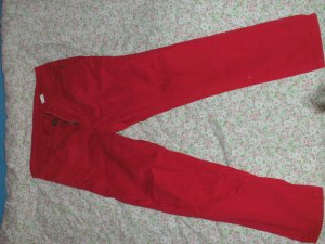Rote Laura Scott Hose