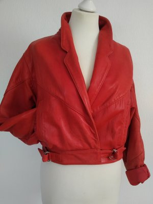 Rote Lederjacke 80er Styling