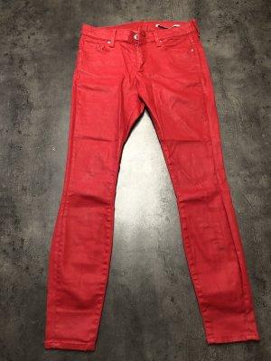 Rote Lederjeans