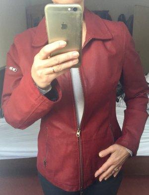 Rote,leicht taillierte Lederjacke