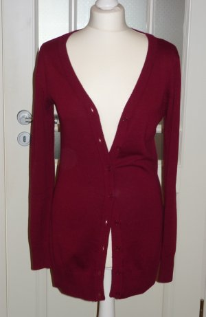 rote Long-Strickjacke