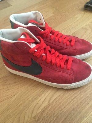 Rote NIKE Wildleder Schuhe
