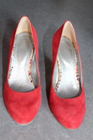 Rote Pumps, Hanna White,