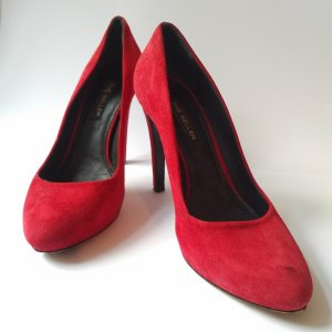 Rote Pumps made in Italy