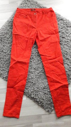 rote Röhrenhose von H&m