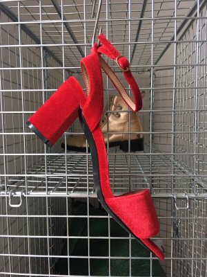 Strapped High-Heeled Sandals red
