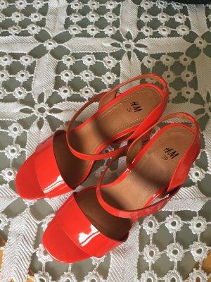 Rote Sandalen von H und M, neu