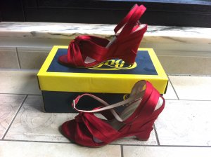 Rote Satin-Wedges von Buffalo Gr.37