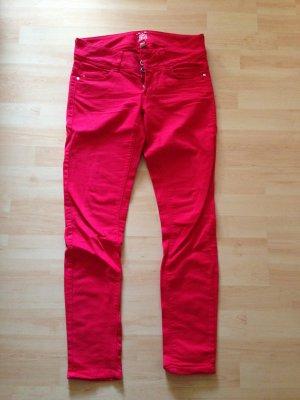 Rote skinny Jeans von Bershka