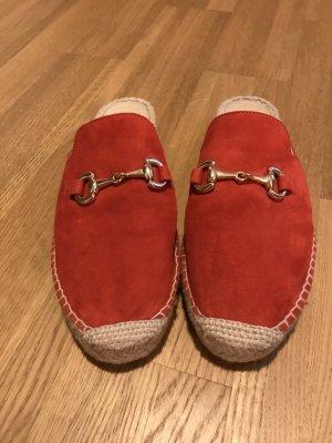 Rote Slipper-Mules von Navyboot