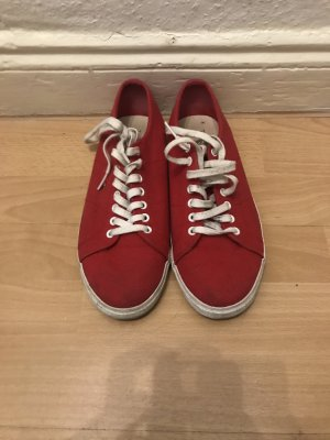 Rote Sneaker