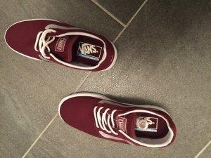 Rote Sneaker - V A N S