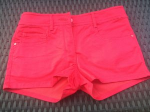 rote Sommer-Hot-Pant