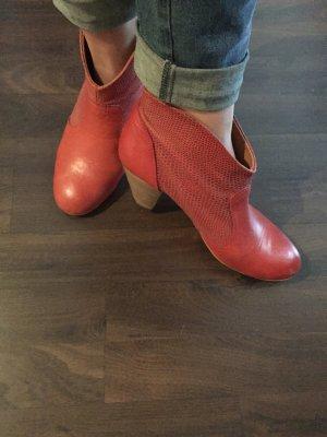 rote Stiefeletten #39