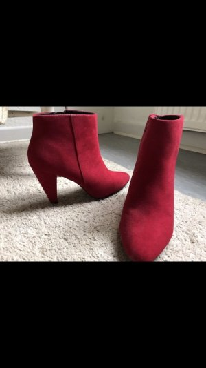 Rote Stiefeletten NEW LOOK