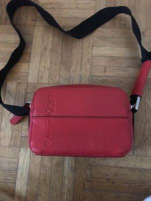 Calvin Klein Borsa a spalla nero-rosso