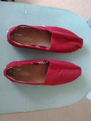 Rote TOMS für Frauen
