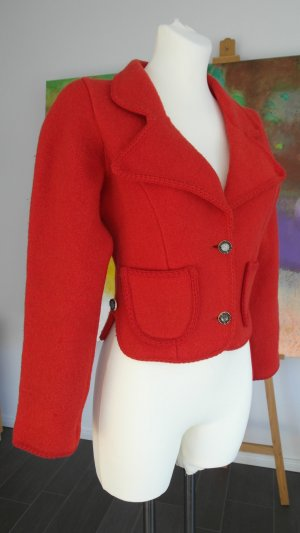 Rote Trachtenjacke aus Schurwolle