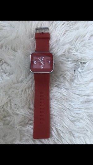 Rote Uhr