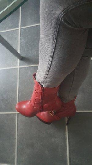 Rote Via Uno High Heels
