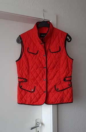 Gerry Weber Quilted Gilet black-red