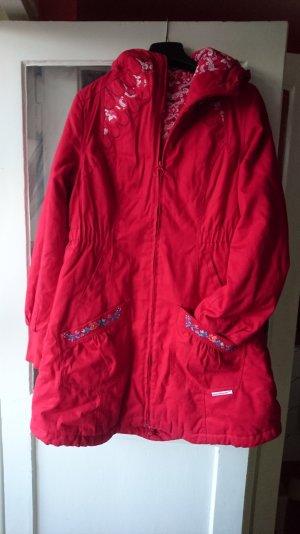 Rote Winter Jacke mit Kapuze