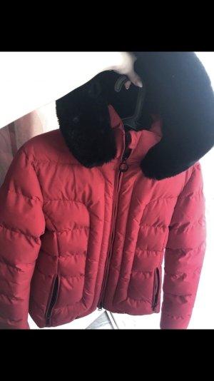 rote Winterjacke - Größe M